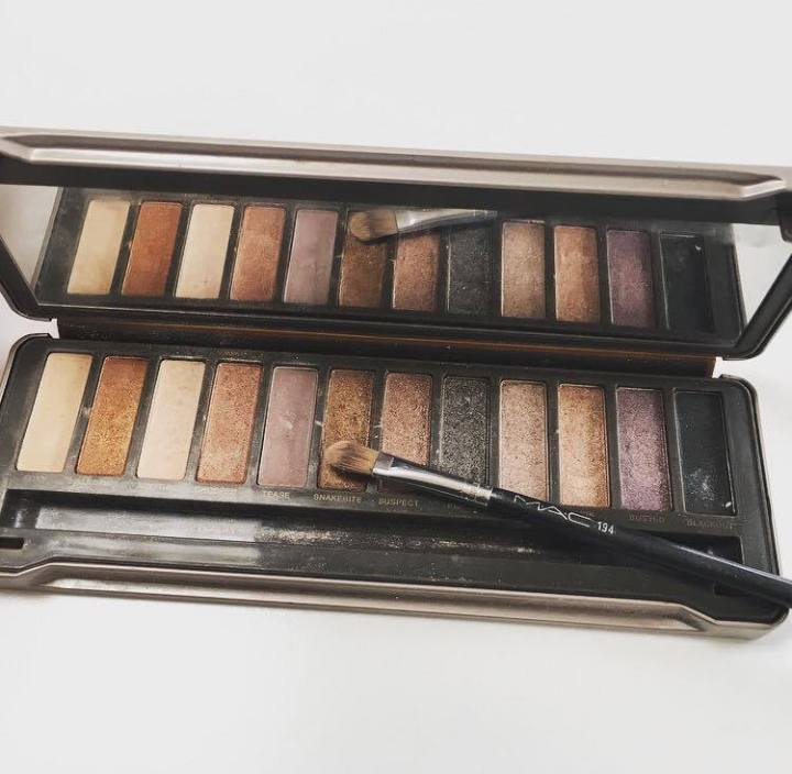 Naked 2 Urban Decay palette Review